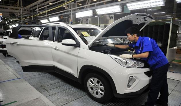 تراجع مبيعات السيارات في الصين بنسبة 92 بالمئة في النصف الأول من فبراير