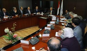 وزير النقل يتابع الموقف التنفيذي لأعمال إنشاء المحطة متعددة الأغراض بميناء الاسكندرية