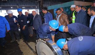 """خلال جولته في """"أبوزعبل"""".. وزير النقل يشرح إنجازات تطوير """"السكك الحديدية"""""""