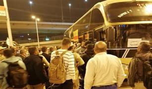 وزير النقل يتابع نقل ركاب قطاري 983 و981 القادمين من أسوان إلى القاهرة   بأتوبيسات فاخرة
