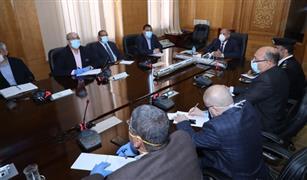 وزير النقل يشدد على سرعة الانتهاء من البوابات الاتوماتيكية بمحطات السكك الحديدية