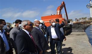 وزير النقل يتابع أعمال إنشاء المحطة متعددة الأغراض بميناء الإسكندرية