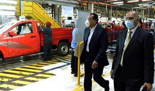 """رئيس الوزراء يشيد بإجراءات مصنع """"جنرال موتورز مصر""""لحماية العاملين.. ويؤكد اهتمام الدولة بدعم الصناعة"""