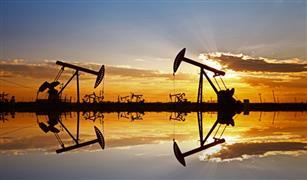أسعار النفط الأمريكي تنهار.. وتغلق سلبية للمرة الأولى في التاريخ