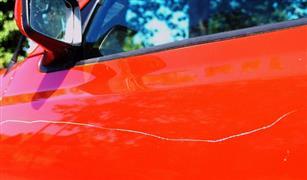 سجن رجل في ألمانيا على خلفية إحداثه لخدوش بطلاء 406 سيارات