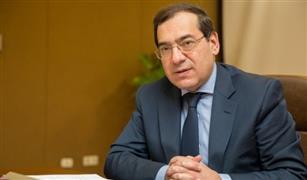 وزير البترول يطمئن على توافر المنتجات البترولية.. ومنظومة التوزيع على المحطات.