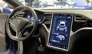 تراجع سهم تيسلا للسيارات الكهربائية بنسبة 12% بسبب تغريدات ماسك