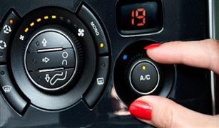 من غير ما تحتارفى الحر :فتح النوافذ أم التكيف.. كيف تخفض استهلاك سيارتك من الوقود في الصيف؟