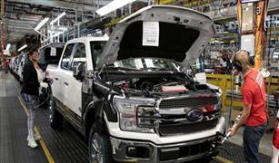 فيروس كورونا يعيد إغلاق مصنعين لفورد في أمريكا بعد أيام من إعادة فتحهما