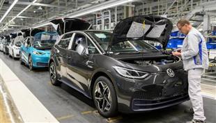 فولكس فاجن تسير بسرعه فى اتجاة السيارات الكهربائية بصفقتها الاخيرة فىى الصين