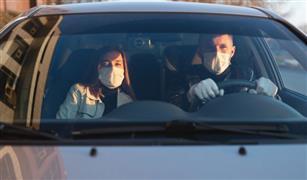 مصدر مروري: عقوبة شديدة لأي قائد سيارة أو دراجة نارية يسمح لشخص بالركوب معه دون كمامة