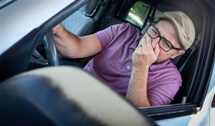 رائحة بنزين في السيارة..  أسباب قد لا تخطر على بالك