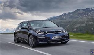 BMW تتباهى بإمكانيات سيارتها الكهربائية الجديدة i3 | فيديو