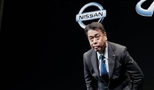 رئيس نيسان يعتذر عن خسائر الشركة