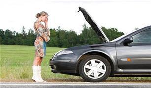 معك خطوة بخطوة .. ماذا تفعل إذا تعطلت سيارتك بالطريق السريع؟