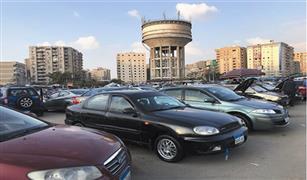 في سوق سيارات مدينة نصر.. تجار يحضرون رغم الغلق.. ومدير السوق يكشف موعد عودة النشاط