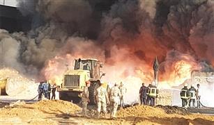 حريق خط بترول مسطرد يطال معرضا كبيرا للسيارات.. وتفحم 31 سيارة| صور