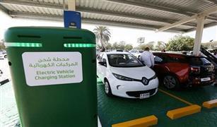 وزير قطاع الأعمال: محطات شحن كهربائية في مواقف التاكسي والجراجات