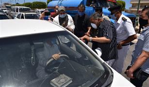 """مصدر مروري يكشف حقيقة سحب رخصة السيارة شهرين بسبب """"حزام الأمان"""" وعقوبات التحدث بالموبايل وتناول الطعام"""