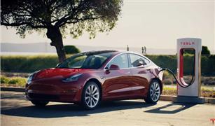 تسلا الأمريكية للسيارات الكهربائية تعتزم بيع حصة من أسهمها بقيمة 5 مليارات دولار