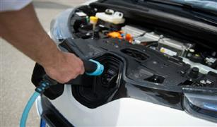 نصائح مهمة تساعد على بقاء بطاريات السيارات الكهربائية لمدة أطول