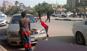 بعد إقرار قانون انتظار السيارات في الشوارع.. تعرف على شروط الحصول على رخصة «السايس»