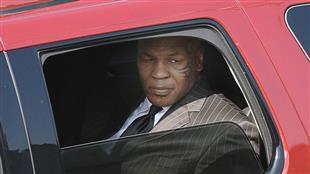 """سيارة """"بنتلي"""" تضع تايسون أسطورة الملاكمة في ورطة"""
