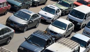 أعطال سيارات على كوبرى أكتوبر وكثافات بمناطق الأعمال