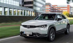 """""""مازدا"""" تضيف تجهيزات استثنائية لأول سياراتها الكهربائية MX-30"""