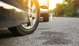 ركن السيارة والإطارات مدارة بزاوية.. المخاطر أكبر مما تتخيل! |فيديو