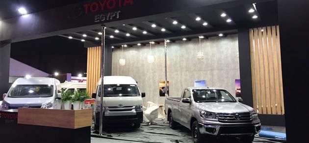 قبل افتتاحه بساعات بدء وصول السيارات المشاركة في معرض الأهرام للنقل الخفيف  فيديو