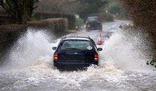 في موسم الأمطار.. خبير: وصول المياه داخل السيارة قد يكلف صاحبها أرقاما خيالية للصيانة