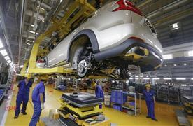 رئيس المكسيك يتعهد بتوفير إمدادات الكهرباء لمصانع السيارات