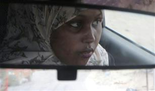 فتاة صومالية تثير الجدل بسيارتها الأجرة!