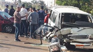 اصابة ١٠ أشخاص فى تصادم سيارة ميكروباص بسيارة ملاكى بسبب الشبورة