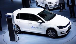 تسلا وفولكس فاجن تقدمان حلولًا جذرية لتقليل تكلفة بطارية السيارة الكهربائية