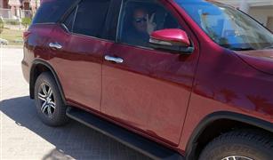 تويوتا فورتشنر 2022 الشكل الجديد.. أول اختبار قيادة في مصر | فيديو
