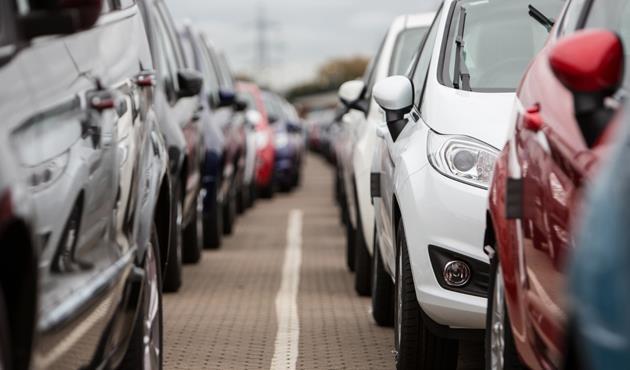 مبيعات السيارات الجديدة في بريطانيا تتراجع في فبراير