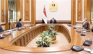 الرئيس السيسي يوجه بتوطين صناعة السيارات الكهربائية والصناعات المغذية في مصر