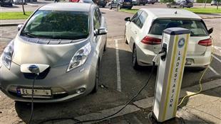 كوريا الجنوبية تخطو نحو شحن السيارات الكهربائية لاسلكيا
