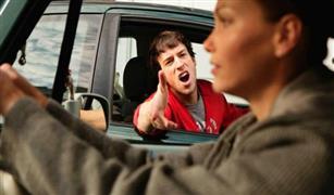 دراسة تكشف سر تشتت الرجال اثناء القيادة وتفوق النساء !