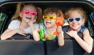 للسيدات فقط . كيف تسيطرين على اطفالك اثناء قيادتك للسيارة ؟