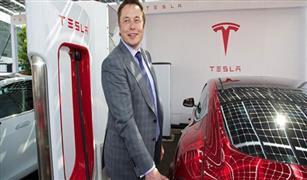 """لعنة """"التغريدة القاتلة"""" تصيب أكبر شركة للسيارات الكهربائية في العالم"""