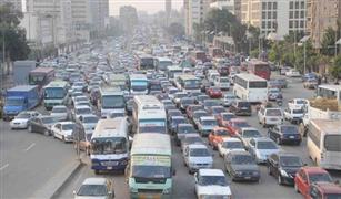 أعطال سيارات على كوبرى أكتوبر والاتوستراد وزحام بالأزهر وكورنيش النيل