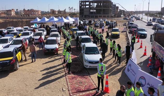 هدية الرئيس.. شاهد رد فعل أصحاب السيارات الجديدة عند استلامها من «مبادرة الإحلال» | فيديو
