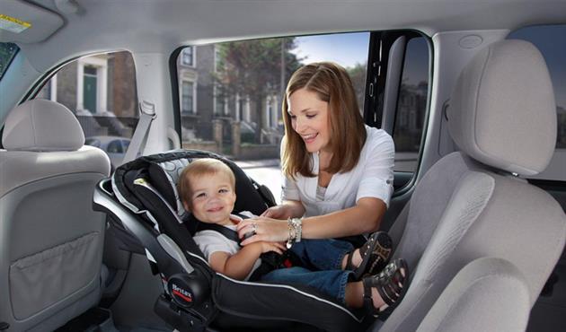 متى يجب عليكي الاستغناء عن مقعد الأطفال بسيارتك؟