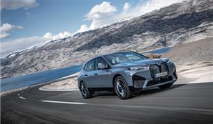 العلامة الألمانية تستعد لإبهار العالم.. إنتاج أول سيارة BMW iX على الإطلاق