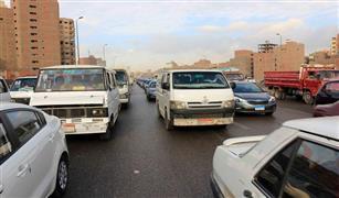 الحالة المرورية: كثافات مرورية على كوبرى اكتوبر بسبب اعطال سيارات.