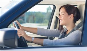 هل يمكنكي ممارسة اليوجا أثناء قيادة السيارة؟.. إليكي الخطوات السليمة