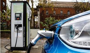 تقرير بريطاني: السيارات الكهربائية خطر على حياة المكفوفين